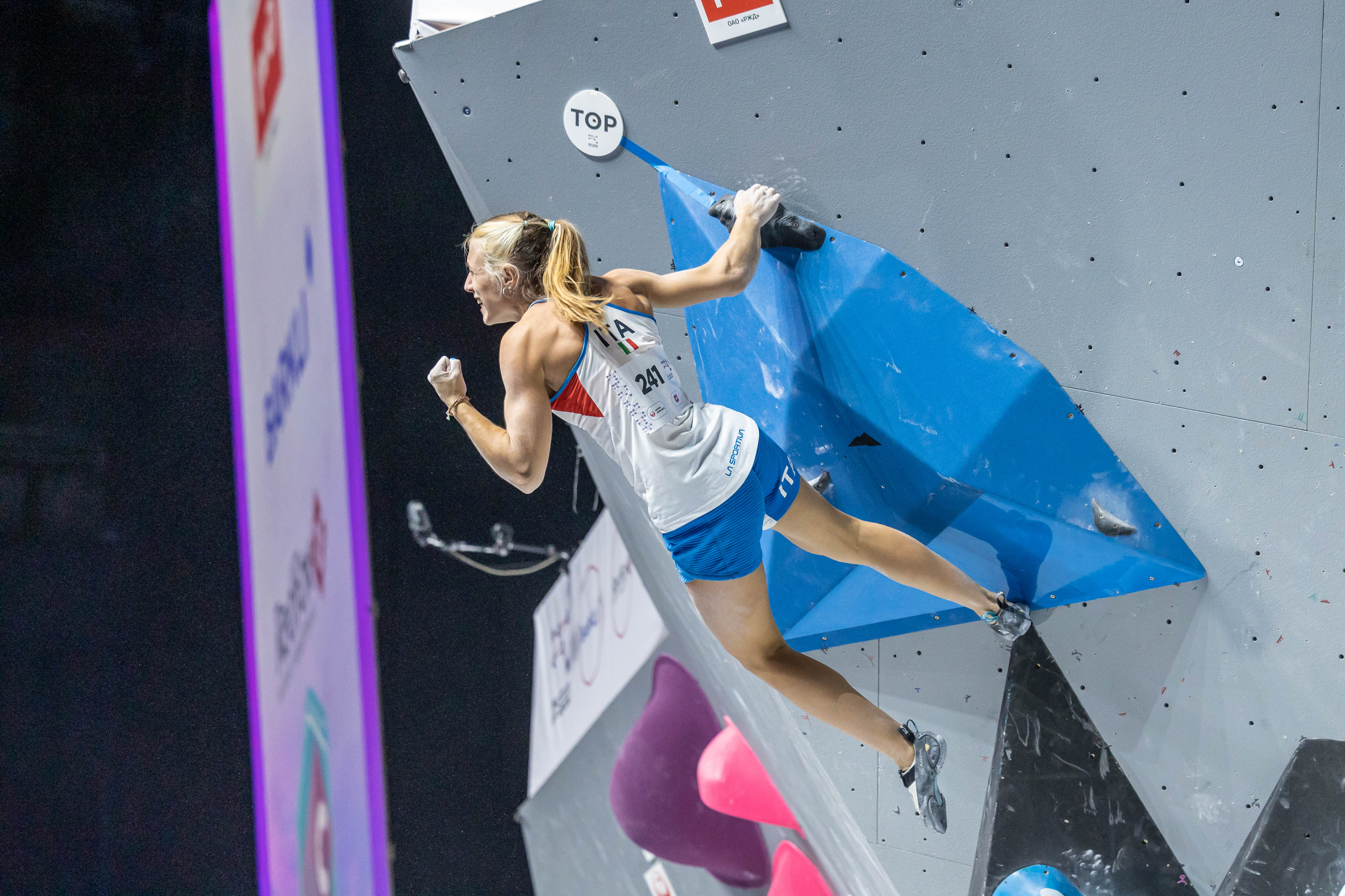 210918 IFSC News Natalia Grossman Camilla Moroni lead the pack of six climbers that will battle for the Boulder world title