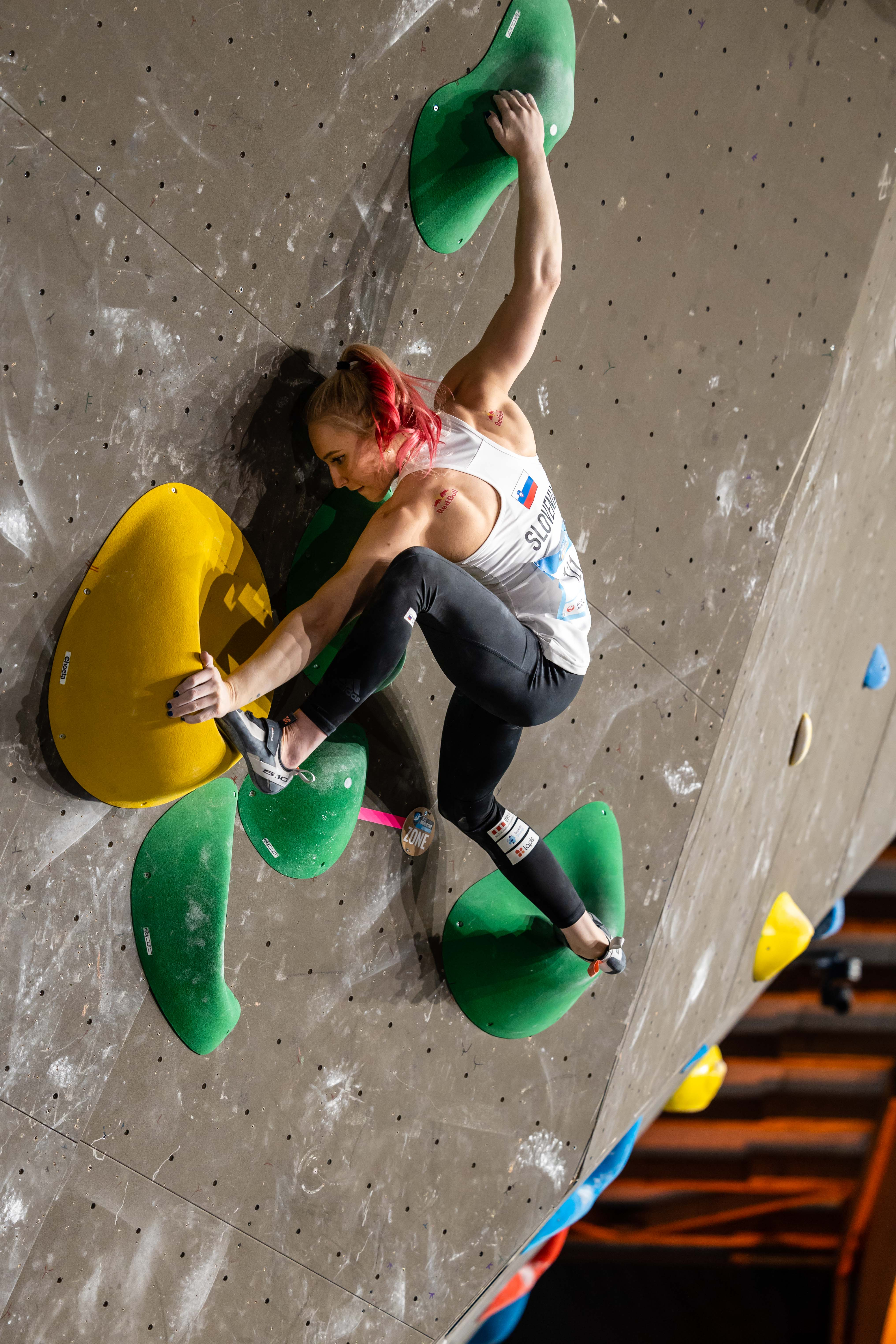210416 IFSC News Garnbret and Nguchi Top the Womens Qualification Round