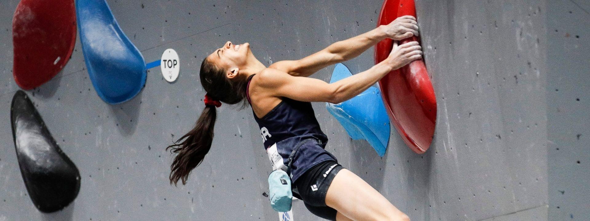 GROSSMAN SEES GOLD IN WOMEN'S BOULDER WORLD CHAMPIONSHIP